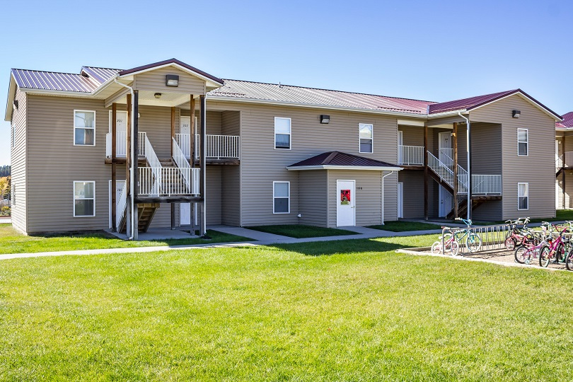 Rent Apartment Custer 57739