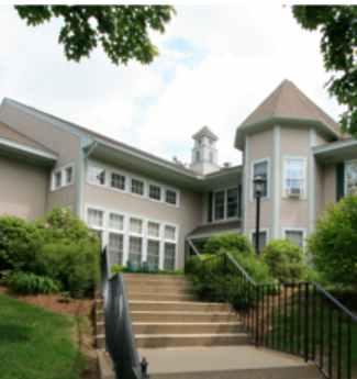 Senior Housing Hooksett 03106