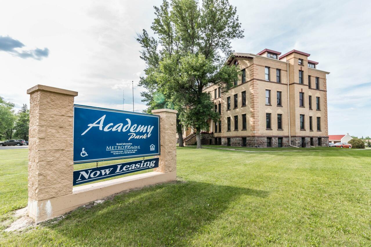 Rent Apartment Devils Lake 58301